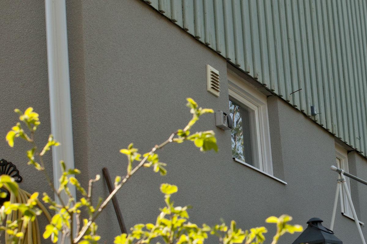 Sockelputs på husgrund i Enskede